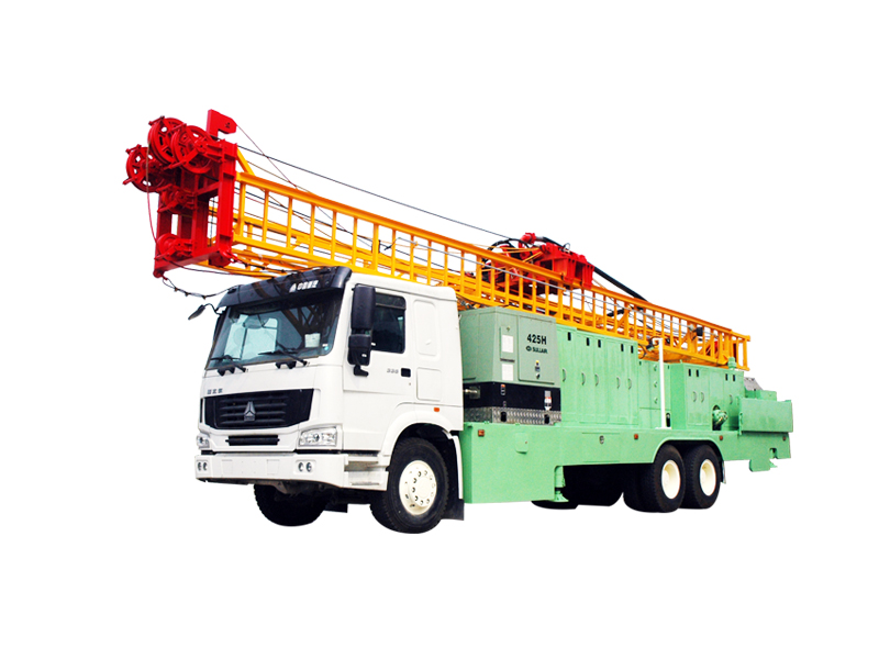 Truck-mounted hydraulic water well drilling rig